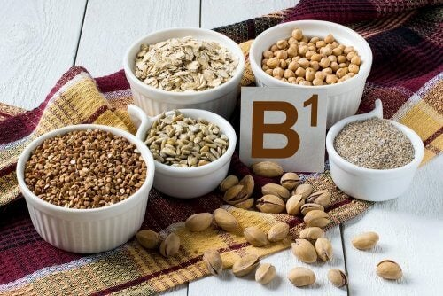 Algunos cereales son ricos en vitamina B1.