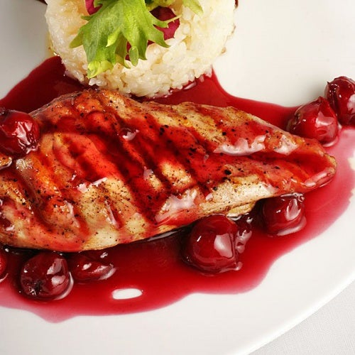 Pollo con salsa, una de las mejores recetas con cerezas