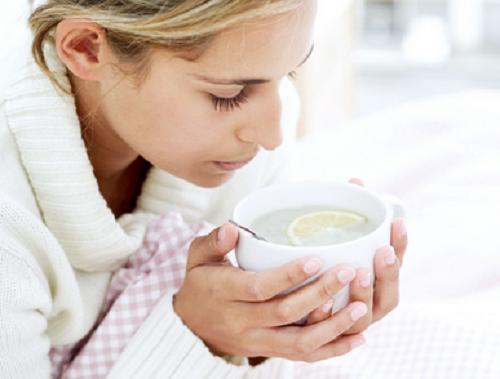 En la época de resfriados es fundamental mantenerse hidratado.