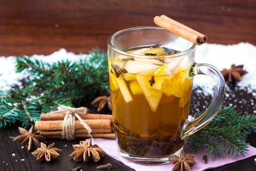 El té de canela ayuda a reducir la glucosa y el colesterol