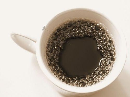 El café es otro de los alimentos que debes evitar si sufres de gastritis