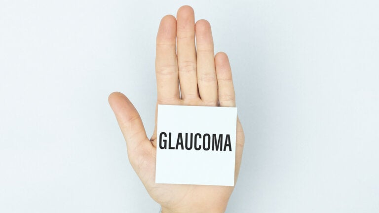 ¿Se puede reducir la presión ocular para evitar el glaucoma?