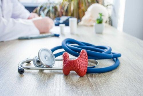 Posibles causas y remedios de la tiroiditis