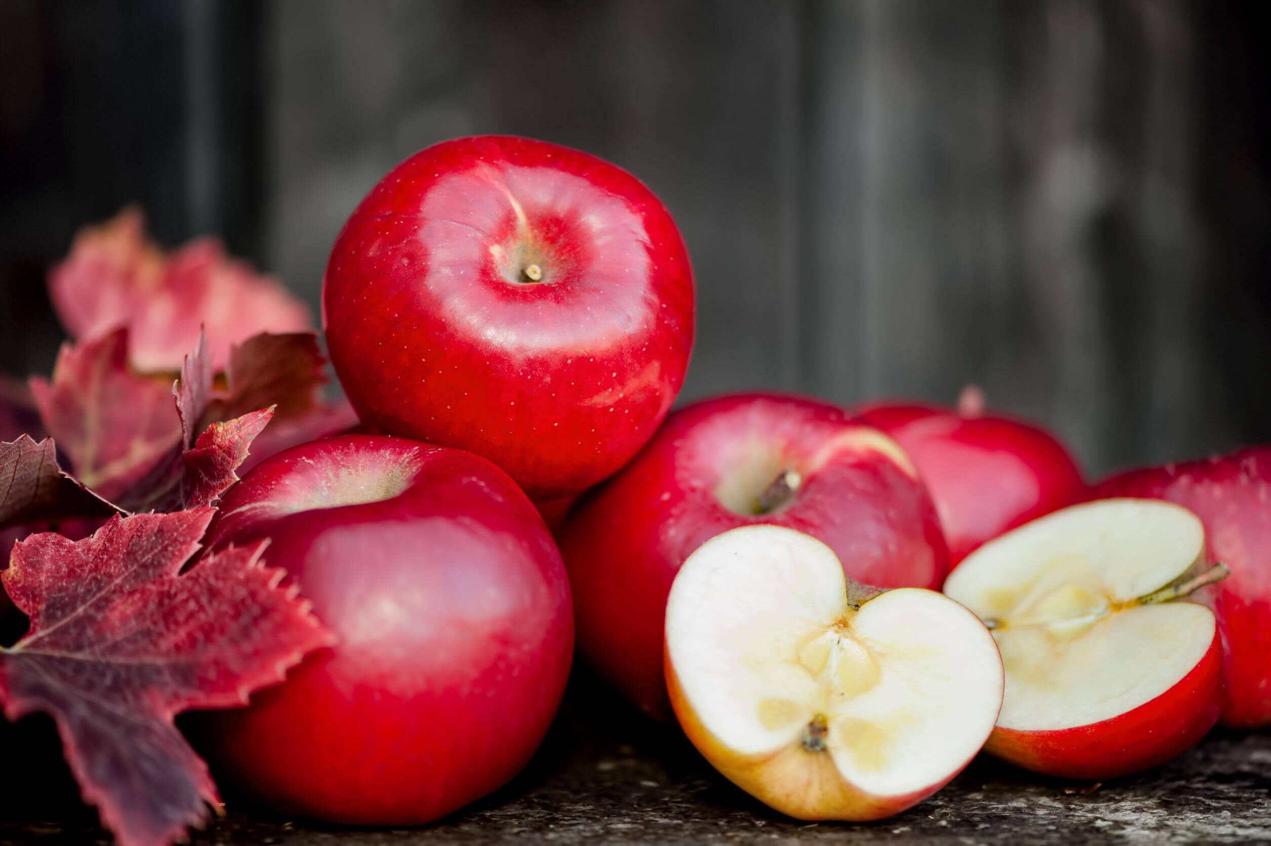 La dieta del limón puede complementarse con manzanas.