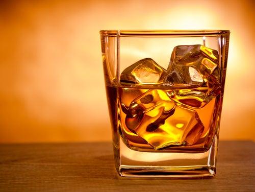 Las gotas de la dependencia alcohólica sin conocimiento del enfermo el nombre