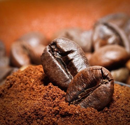 El cafe elimina el mal olor de la casa