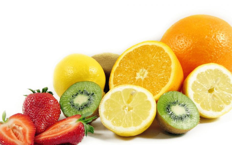 Frutas cítricas para las agresiones solares.