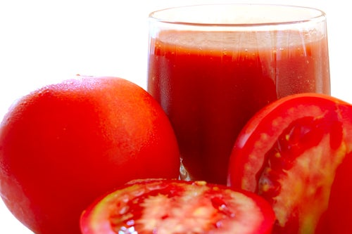 Zumo de tomate para mejorar la piel