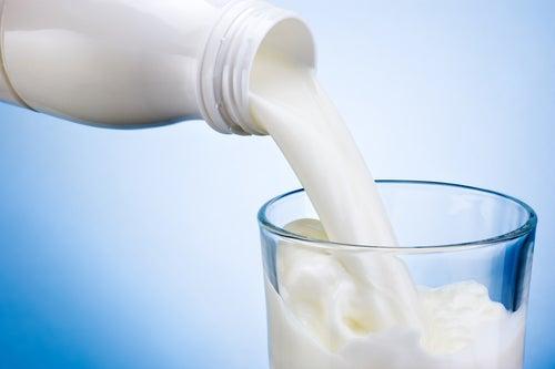 Los lácteos no se deben tomar si padecemos alguna enfermedad en las mucosidades.