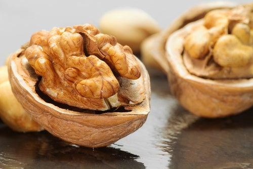 Las nueces contienen proteína vegetal y son muy buenas para el corazón y el cerebro