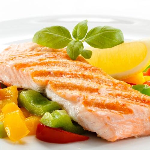 Salmón con verduras.