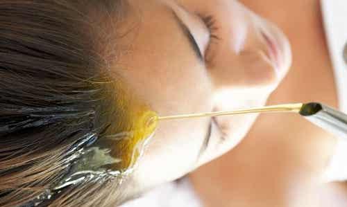 4 mascarillas de aceite para el cabello