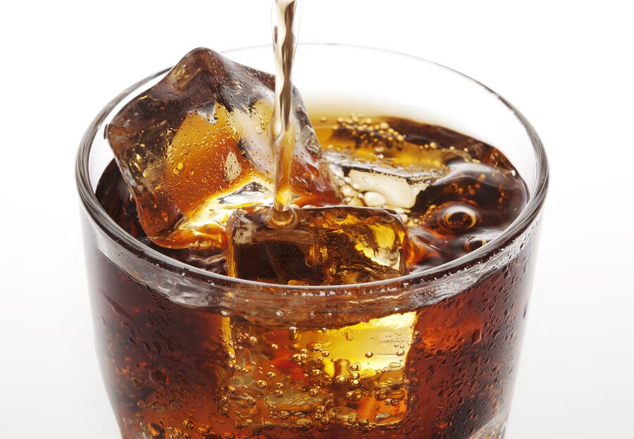 vaso con coca-cola