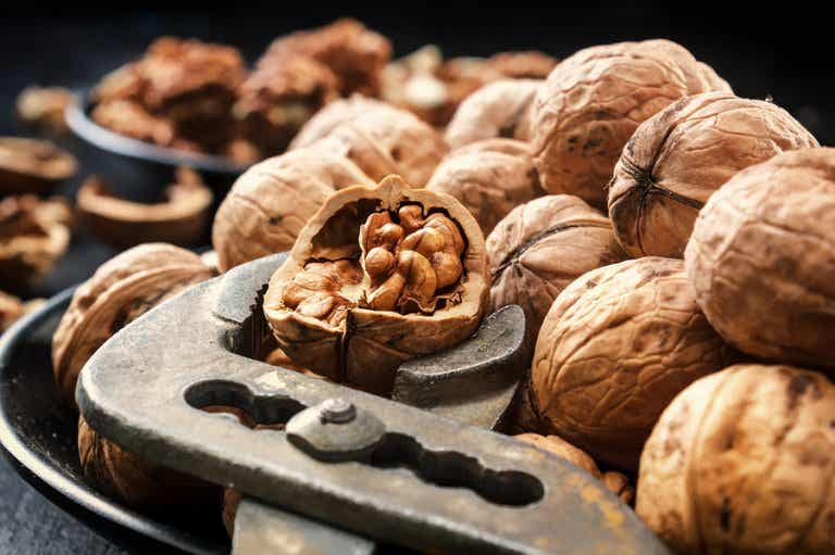 ¿Comer nueces ayuda a prevenir enfermedades del corazón?