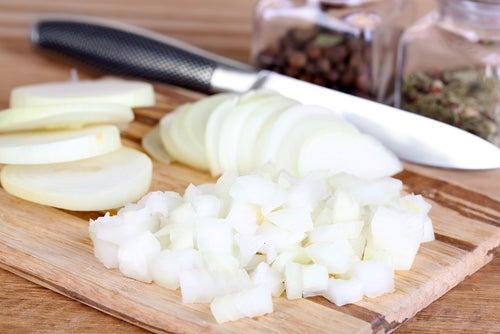 Bicarbonato de sodio para deshacer cebolla.