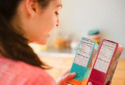 8 consejos para distinguir entre alimentos más y menos saludables