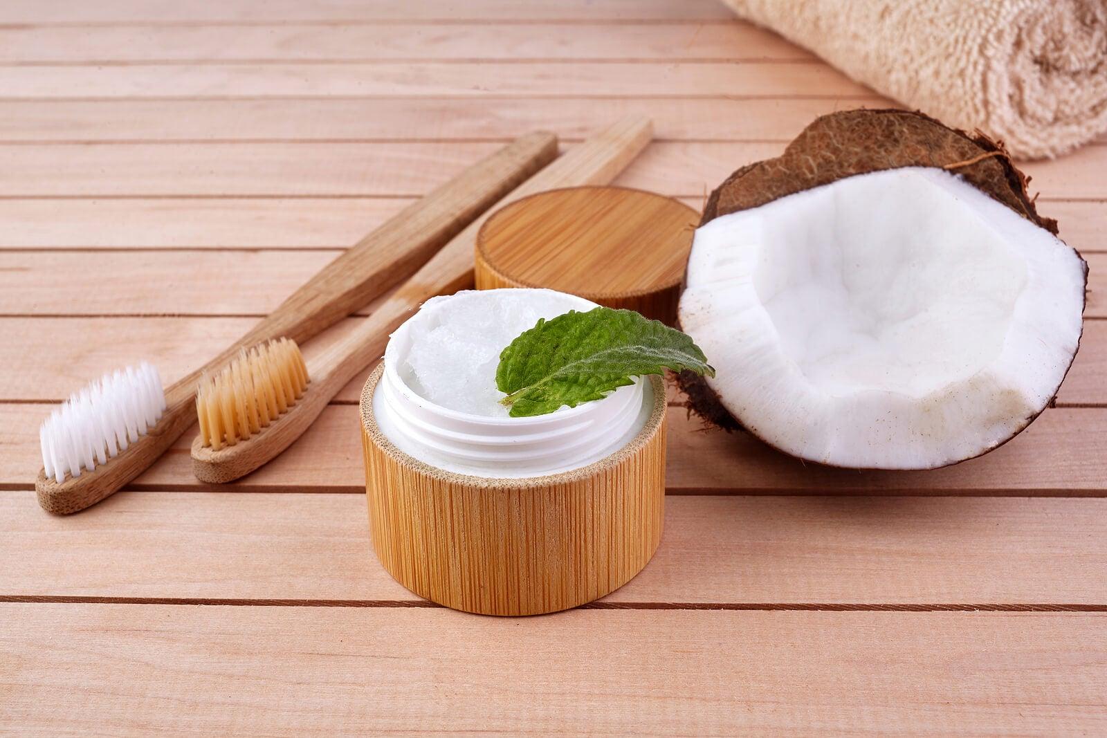 ¿Cómo hacer un dentífrico natural?