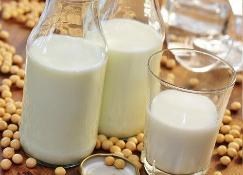 Leche de soja: una saludable sustituta de la leche de vaca