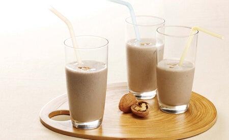 Leches vegetales: leche de nueces