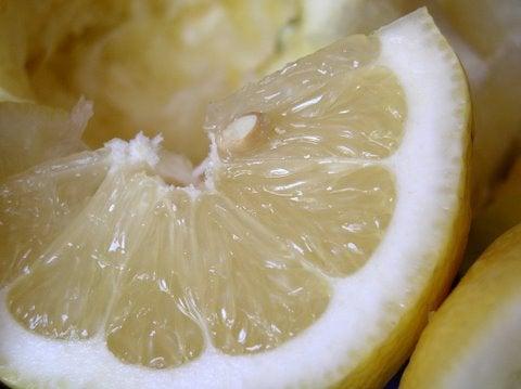 Limón para limpiar el hogar