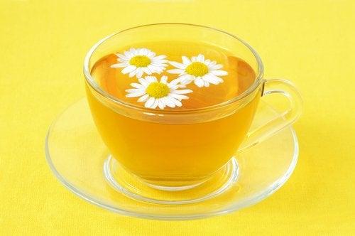 Manzanilla, tratamiento natural para las hemorroides