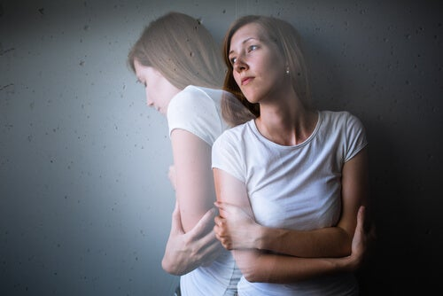 Mujer con ansiedad y depresión