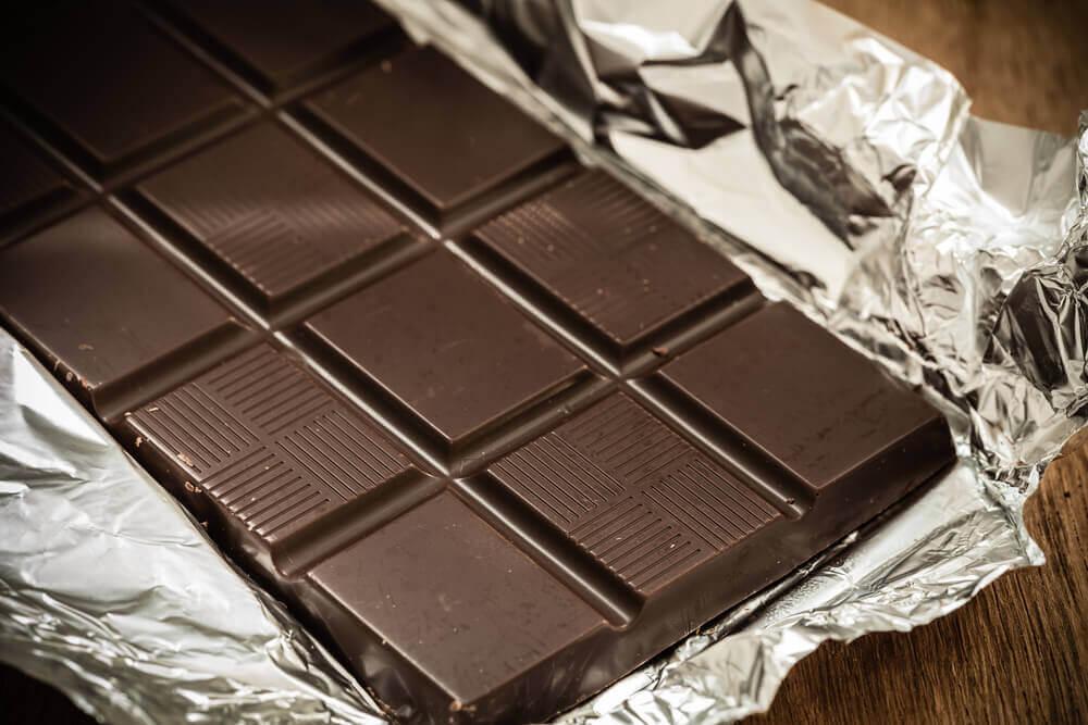 El bizcocho de frambuesa y chocolate es excelente.