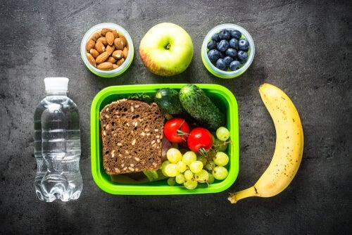 Una alimentación sana es el mejor remedio contra el estreñimiento.