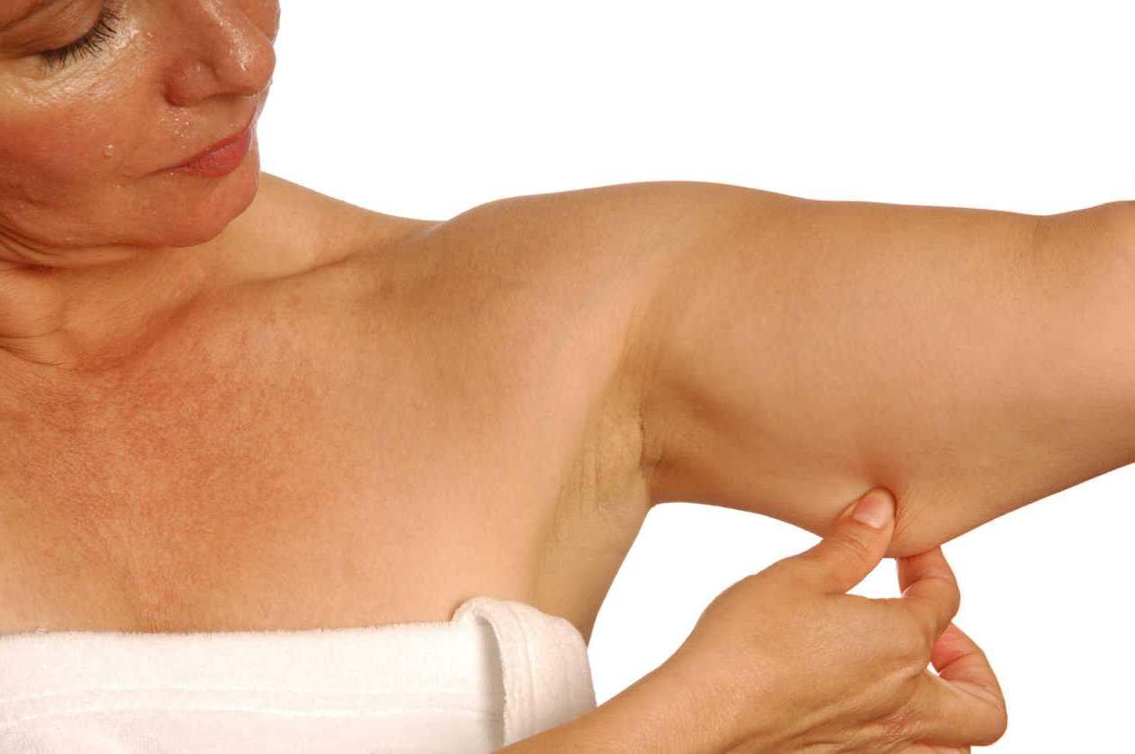 5 ejercicios para reducir grasa y tonificar tus brazos