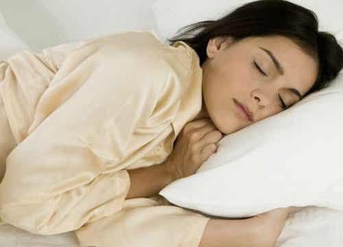 Los beneficios de dormir la siesta