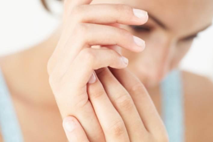 Cuando se adormecen las manos por retención de líquidos