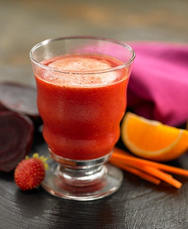 zumo de zanahoria remolacha fresaynaranja