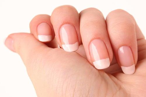 ¿Cómo hacer que las uñas crezcan rápido y fuertes?