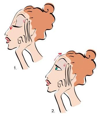 Ejerce un masaje circular en las sienes para liviar el dolor de cabeza