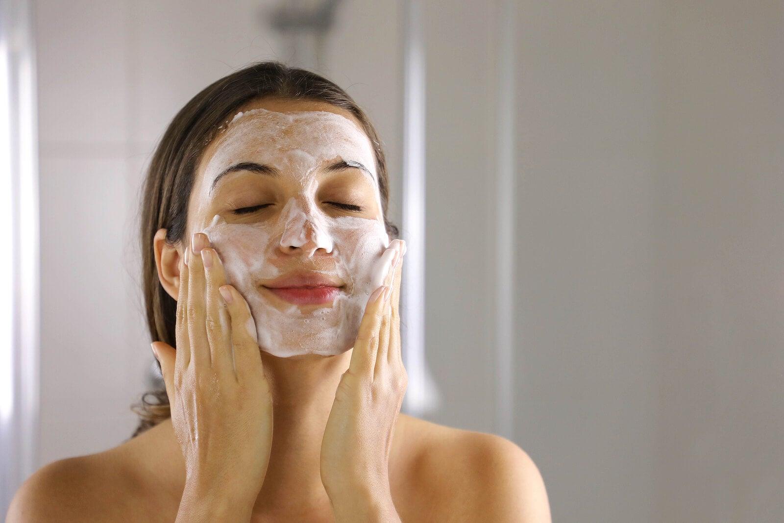 Cosmecéuticos para la piel del rostro.