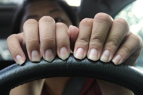 Causas de la descamación de uñas