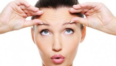 Como-hacer-un-masaje-facial-para-prevenir-las-arrugas