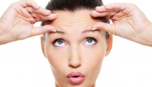 Las arrugas entre las cejas pueden ser una señal de que tu hígado está sobrecargado