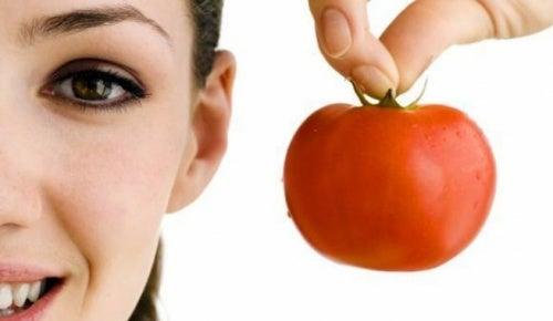 Mascarilla-facial-casera-de-tomate-1