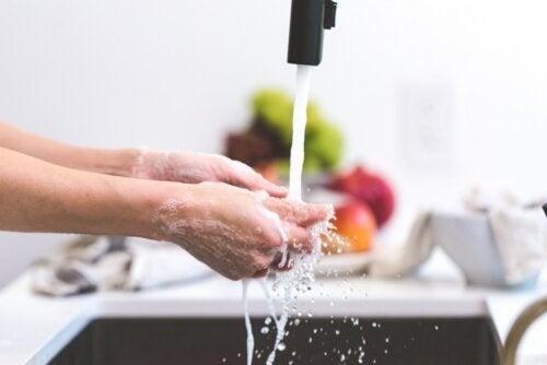 ¿Por qué es importante lavarse las manos?