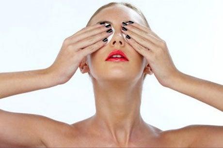 Los ojos hinchados no permiten lucir una mirada atractiva