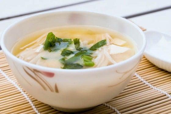 sopa-japonesa-de-miso-y-hongos