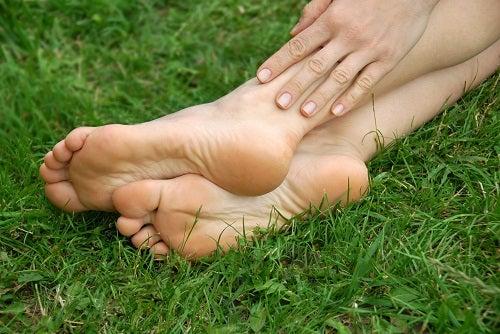 Tratamiento natural para la talalgia (dolor de talón)