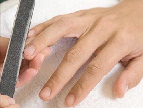 Cómo cortar correctamente las uñas de las manos y de los pies
