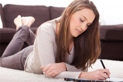Escribir es terapéutico y nos ayuda a desintoxicar mente y cuerpo.