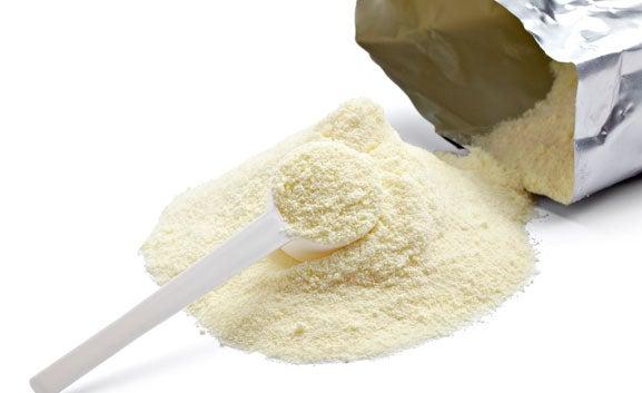 La-leche-en-polvo-puede-ayudar-a-matizar-las-manchas
