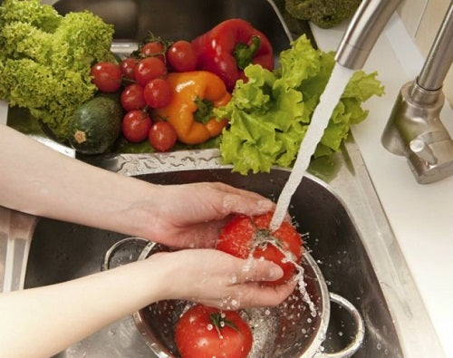 Cómo lavar y desinfectar correctamente verduras y frutas - Mejor ...