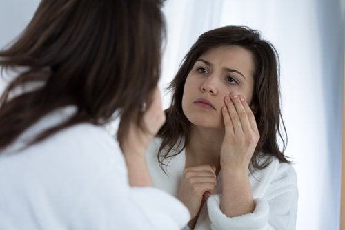 Bolsas en los ojos: cómo luchar contra este problema