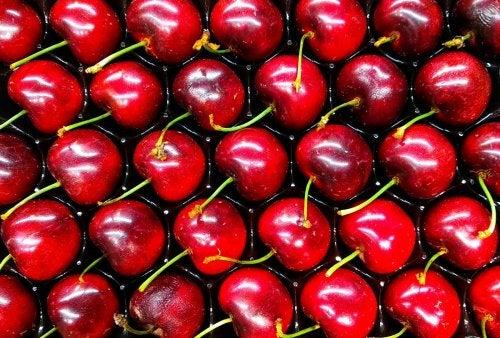 Descubre cuáles son las frutas adecuadas para reducir el ácido úrico