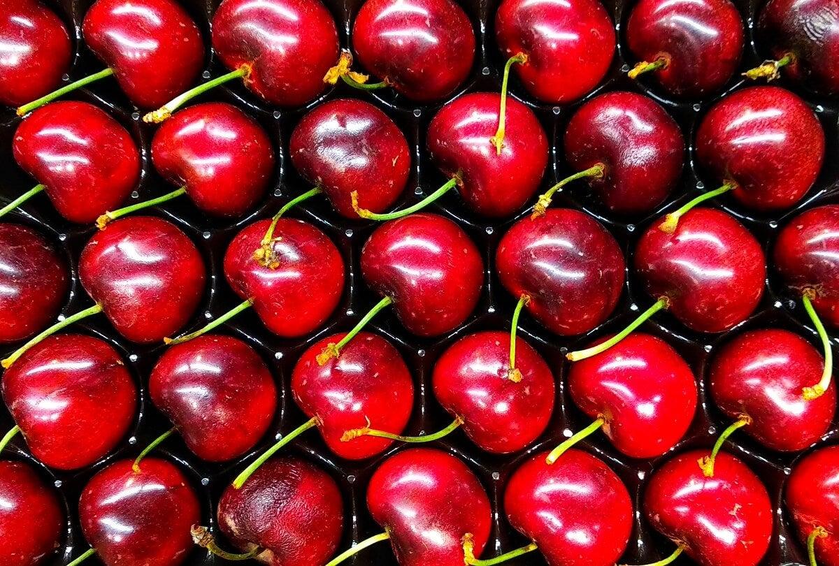 Las cerezas son betacarotenos que ayudan a tener un bronceado perfecto
